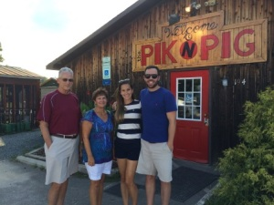 With my wonderful uncle and aunt (and great hosts!) at the Pik N Pig
