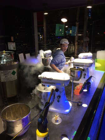 Ice cream making at Nitrogenie