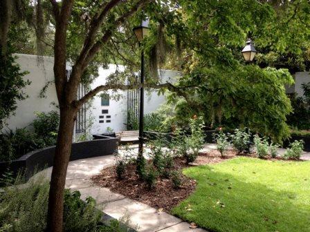 A small secret garden in Forsyth Park